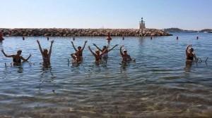 aquabike-a-nice-mer-eau-plage-sport-activite-ligne-fleau