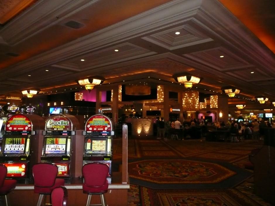 voayge-las-vegas-casino-salle-de-jeux-machine-à-sous