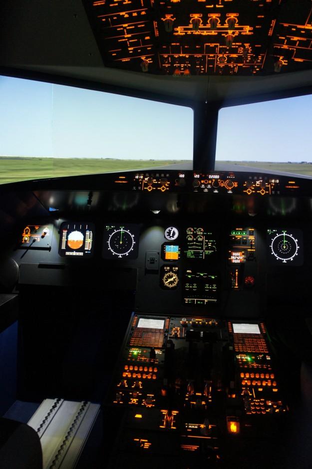 airbus-aviasim-simulateur-avion-pilotage-cours-nice-aviasim