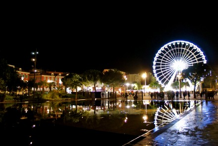 Noeël-Nice-massena-illuminations-roue-sapins-promenade-paillon-2014