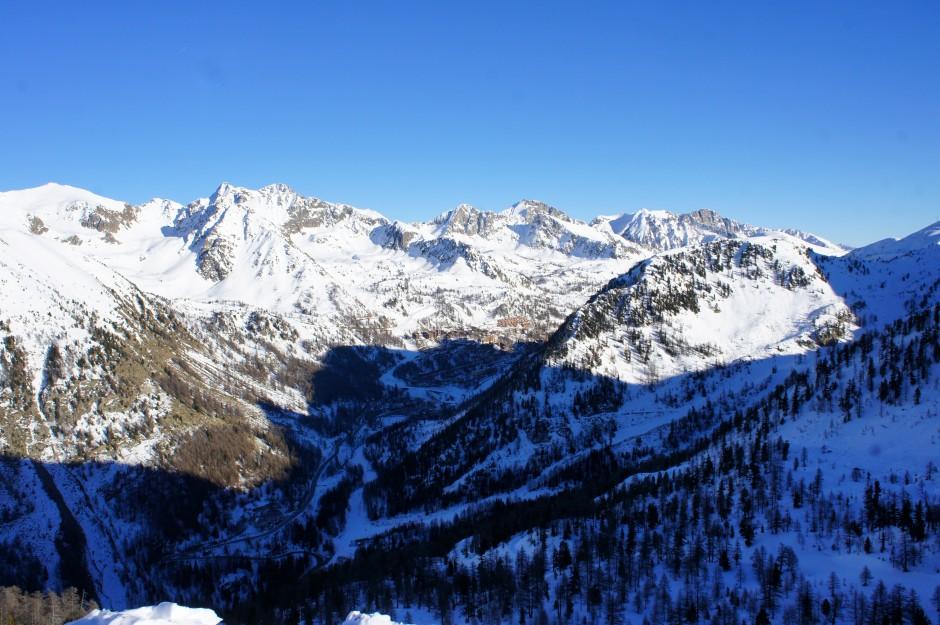 montagne-isola-2000-ski-neige-massif
