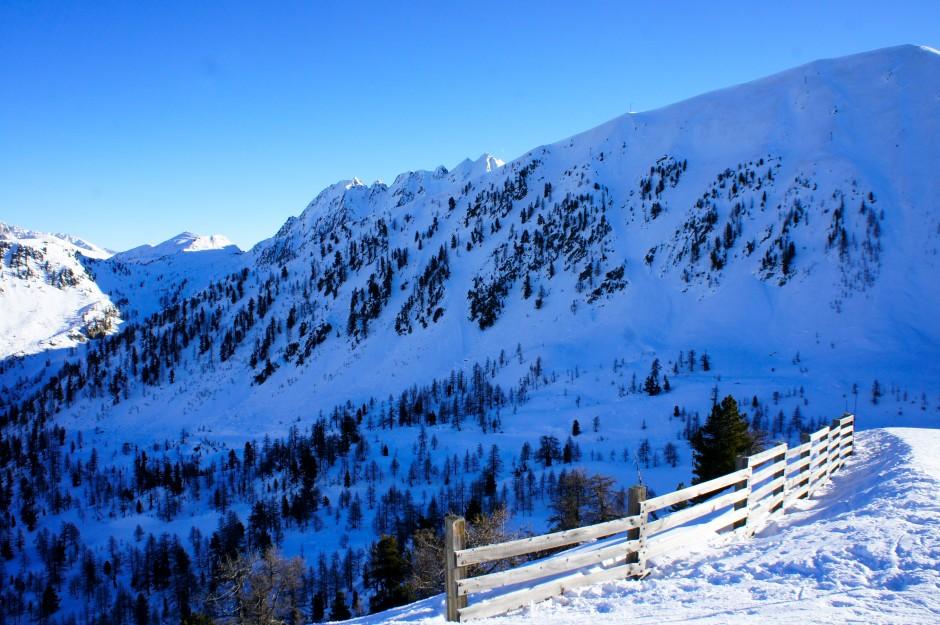 montagne-ski-isola-2000-vue-mercantour-pistes-ski
