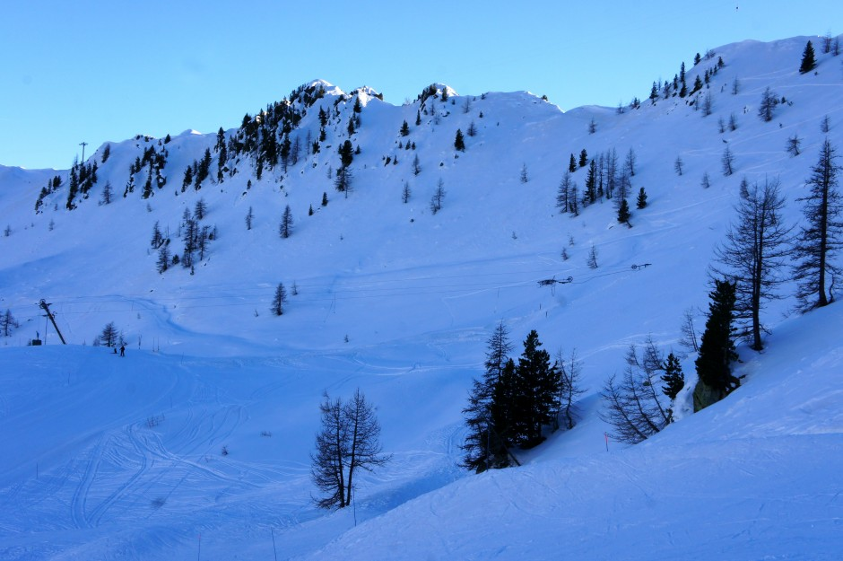 montagne-station-ski-isola-2000-pistes-neige-mercantour-alpes-maritimes