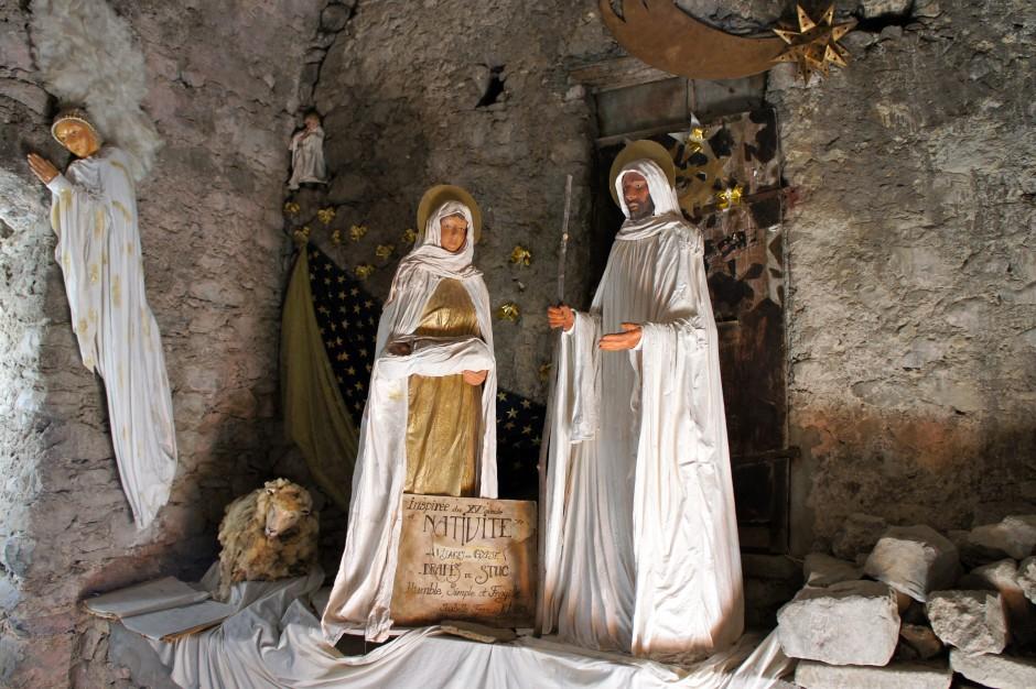 creche-luceram-jesus-marie-joseph