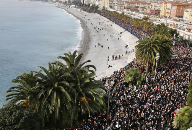 Nice-Charlie-Hebdo-rassemblement-je-suis-charlie