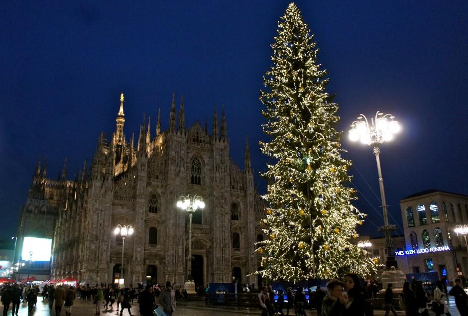 duomo-weekend-milan-italie-noel-piazza