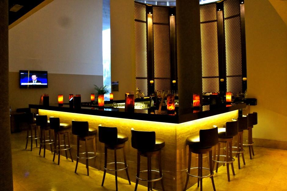 hotel-radisson-blu-milan-salle-bar