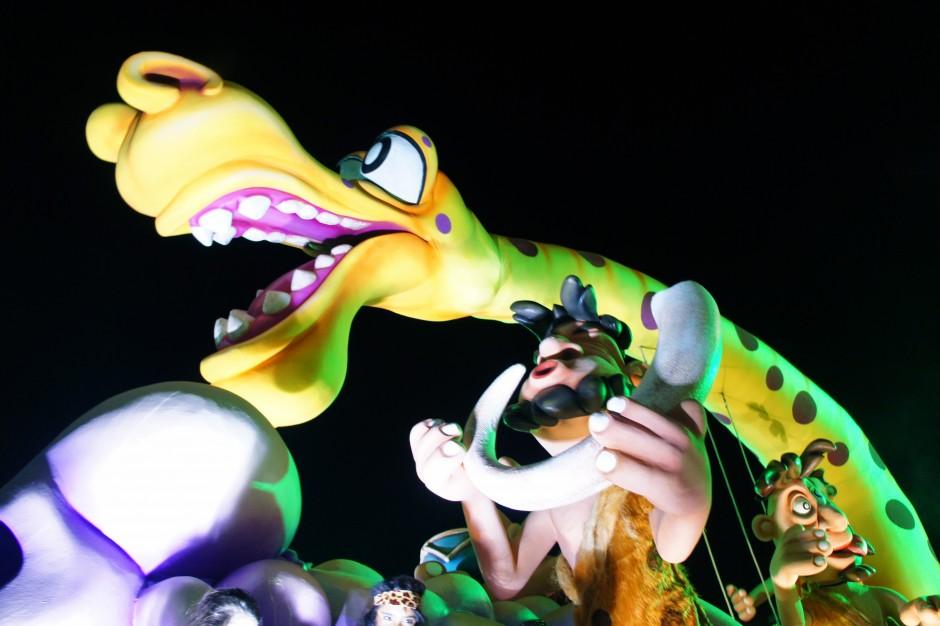 carnaval-de-nice-2015-corso-canarvalesque-lumières-roi-de-la-musique-kristian