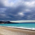 promenade-des-anglais-fevrier-cote-d-azur-mer-nuage-couleurs-paysage