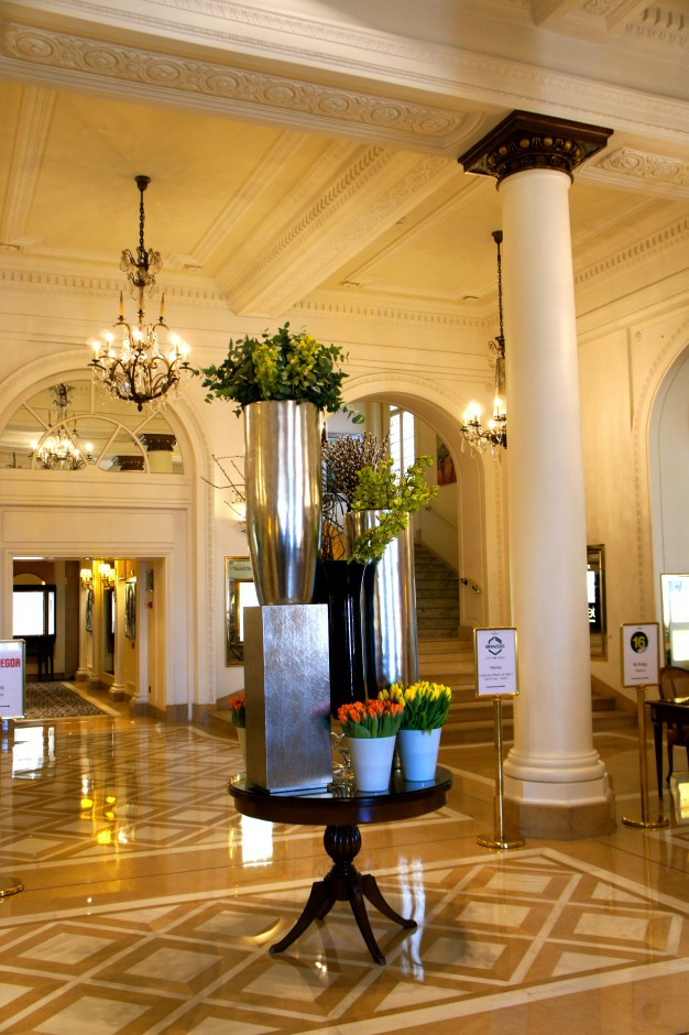 hotel-intercontinental-nuit-carlton-cannes-hall-palace