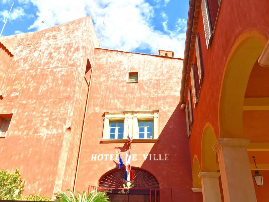 que-visiter-villefranche-sur-mer-citadelle-hotel-de-ville