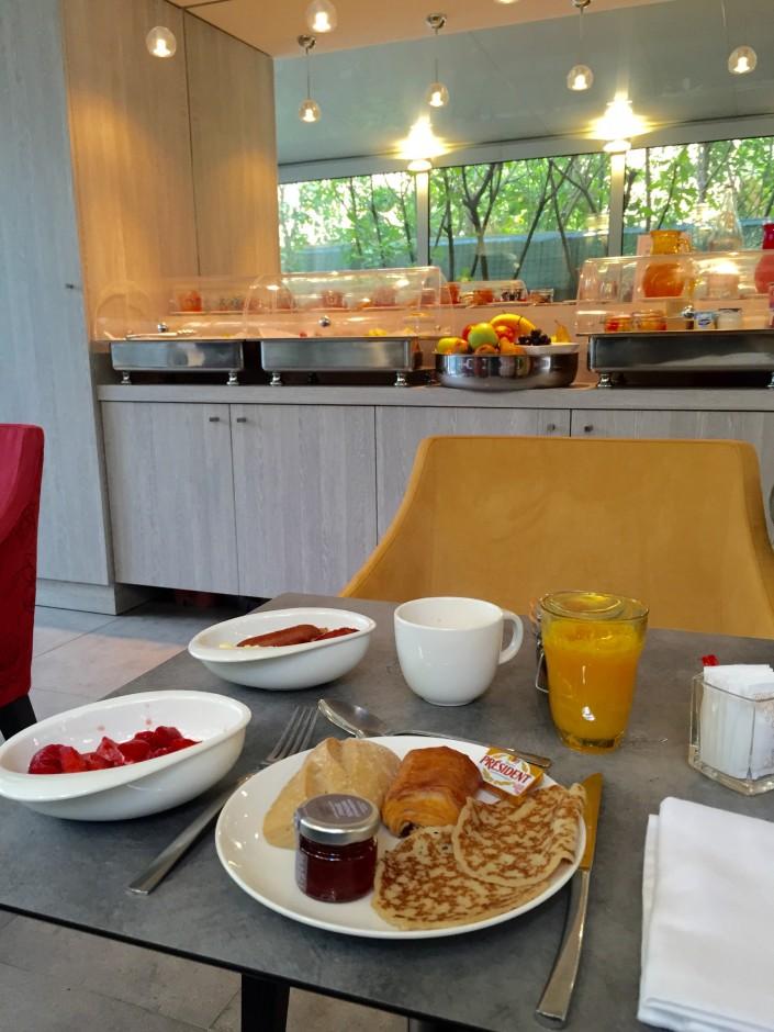 jhotel-cezanne-petit-dejeuner