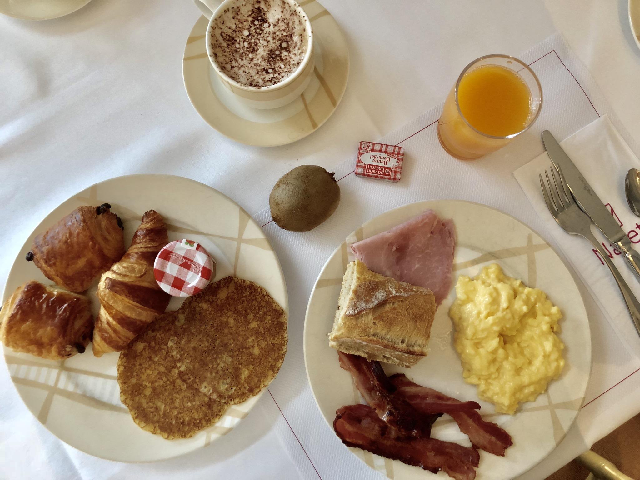 petit-dejeuner buffet