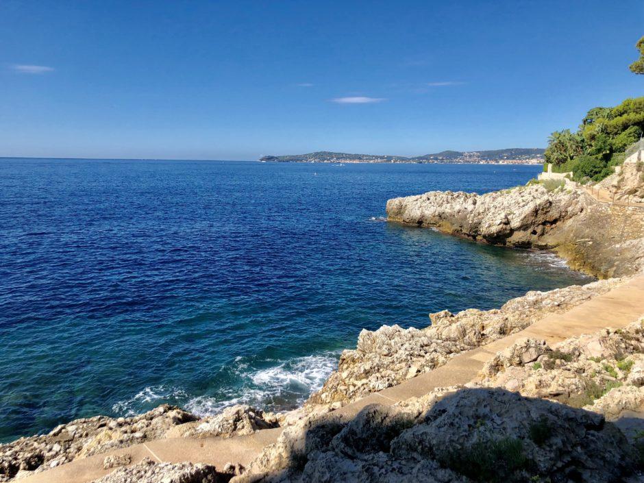 balade rocher bord de mer